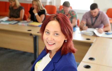 Rachel Lewis - yn frwd o blaid dysgu gydol oes.